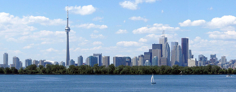 derivative work: Jphillips23 (talk), Toronto_skyline_tommythompsonpark.jpg: John Vetterli from Toronto, Canada